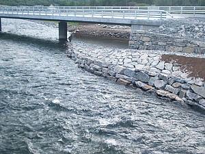 E16 Borgund, Eraker bru