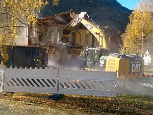 Riving av hus for Helse Førde
