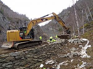 Resturering mur Vindhella i lag med Sherparar frå Stibyggjaren AS